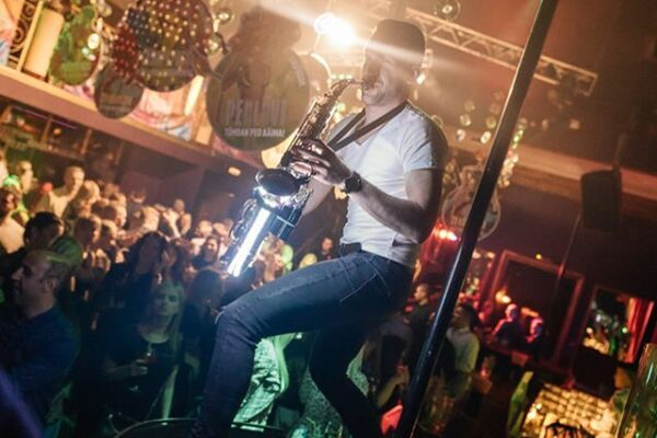 Saksofonist Henri Aruküla klubis Venus